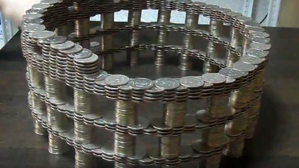 Колизей из монет: необычная скульптура - Sputnik Абхазия