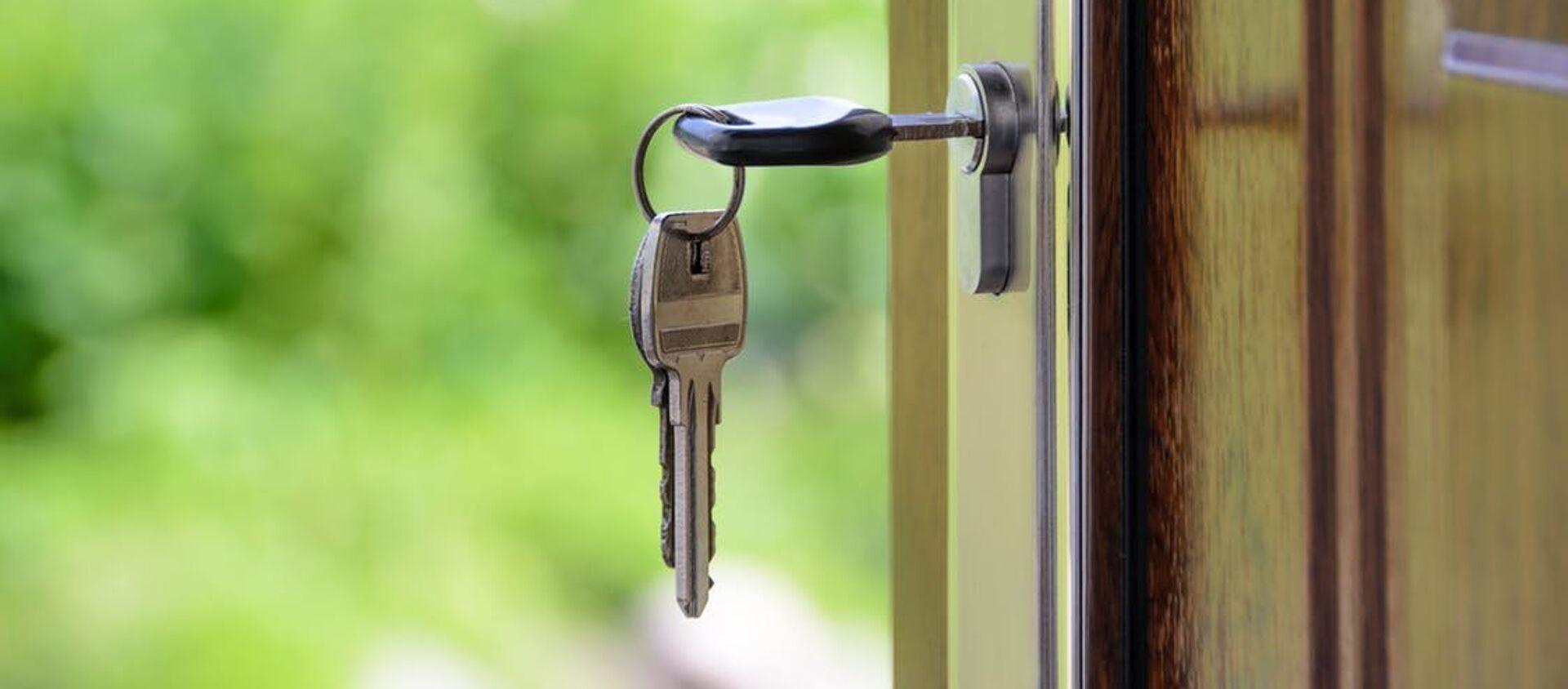 Ключи в дверном замке - Sputnik Абхазия, 1920, 29.09.2021