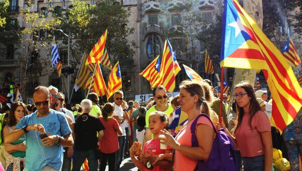 Акция в поддержку референдума в Барселоне - Sputnik Аҧсны