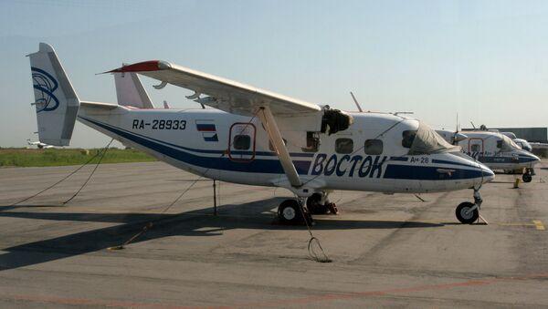 Самолет Ан-28 в аэропорту Хабаровска - Sputnik Абхазия