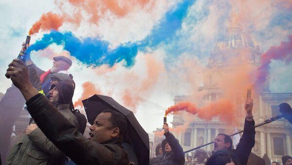 Акция протеста полицейских в Париже - Sputnik Абхазия