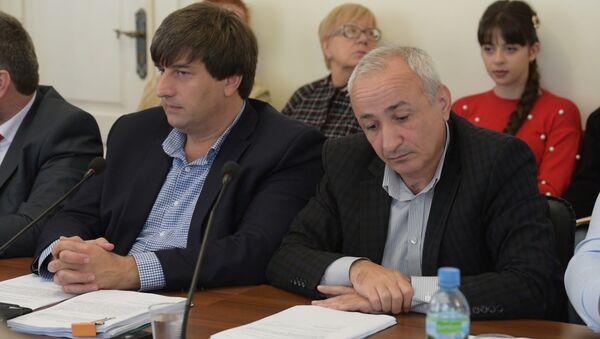 За здравие: как Парламент Абхазии ратифицировал соглашение о медстраховании с РФ - Sputnik Аҧсны