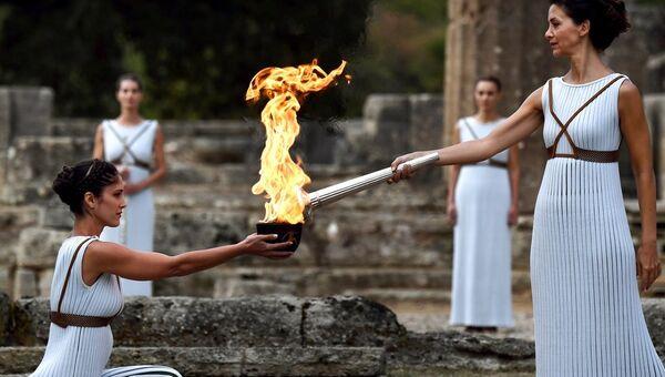 Церемония зажжения олимпийского огня Церемония зажжения огня Олимпиады-2018 - Sputnik Абхазия