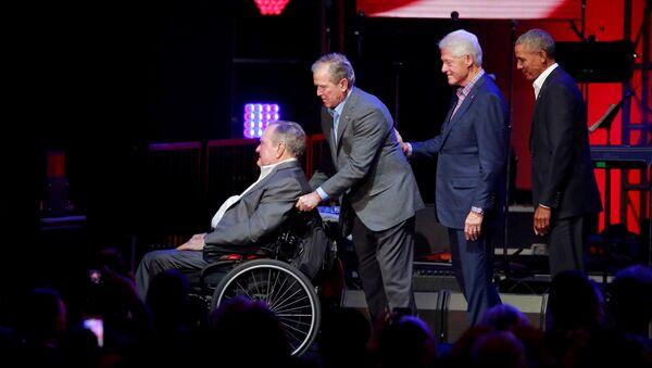 Джордж Буш старший и еще три президента США - Sputnik Абхазия