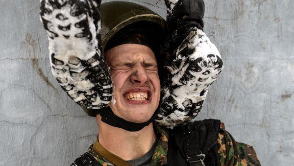 Всероссийские испытания на право ношения крапового берета среди военнослужащих внутренних войск МВД РФ - Sputnik Абхазия