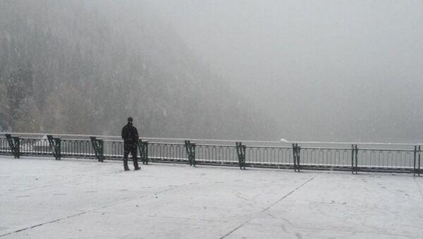 Рица. Первый снег - Sputnik Абхазия