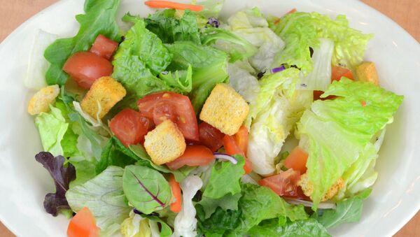 Овощной салат - Sputnik Абхазия