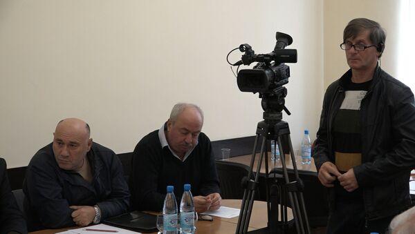 40 тысяч против 66: ситуацию с обменом паспортов обсудили в Общественной палате - Sputnik Абхазия