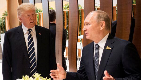 Президенты США и России Дональд Трамп и Владимир Путин - Sputnik Абхазия