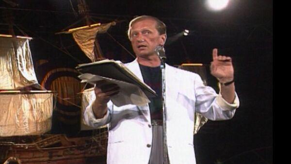 Выступление Михаила Задорнова в Ялте в 1992 году. Архивные кадры - Sputnik Абхазия