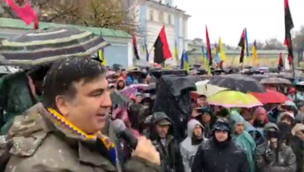 В Киеве сторонники Саакашвили собрались на марш за импичмент Порошенко - Sputnik Абхазия