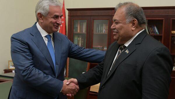 Встреча президента Абхазии Хаджимба с президентом Науру Бароном Вака - Sputnik Абхазия