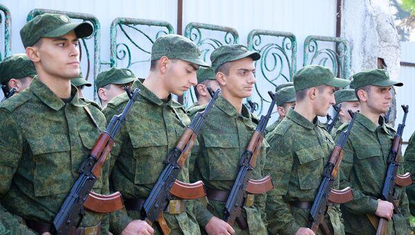Новобранцы абхазской армии прошли курс молодого бойца - Sputnik Абхазия