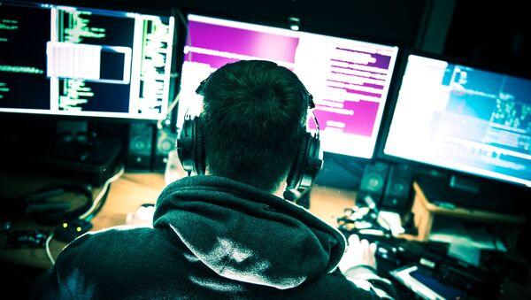 Хакер за компьютером - Sputnik Абхазия