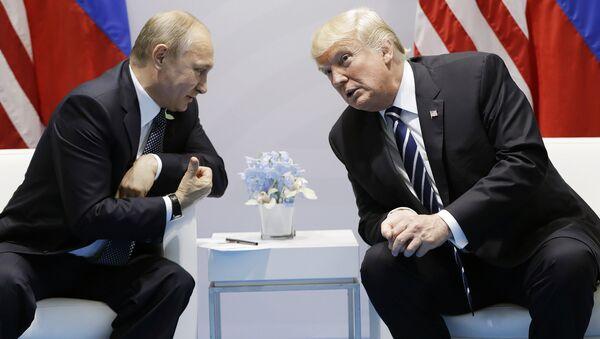 Владимир Путин и Дональд Трамп, архивное фото - Sputnik Аҧсны