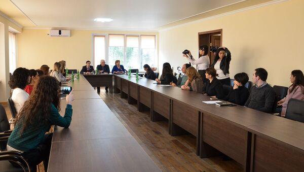 Круглый стол в АГУ - Sputnik Абхазия