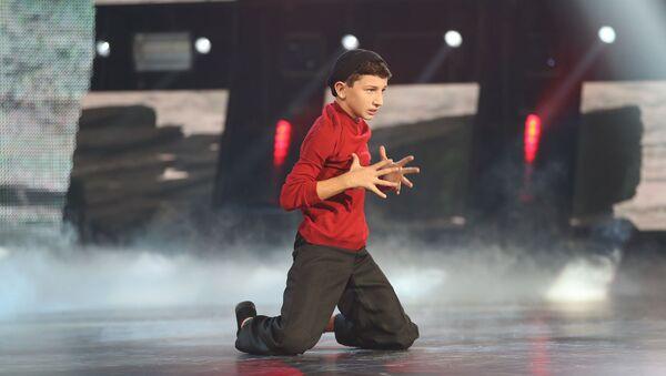 Выступление Леона Капба во втором туре шоу Ты супер!Танцы - Sputnik Абхазия