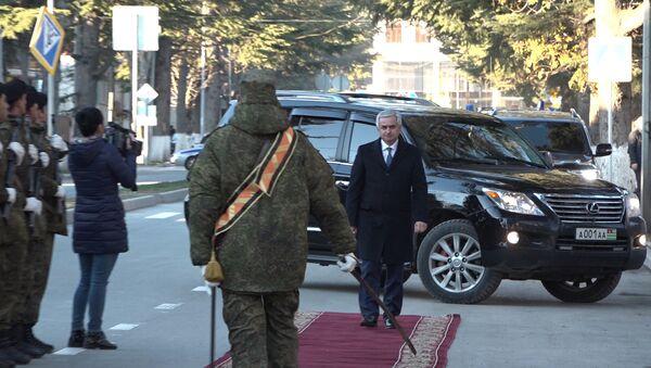 Визит Хаджимба: где побывал и с кем встретился в Цхинвале президент Абхазии - Sputnik Абхазия