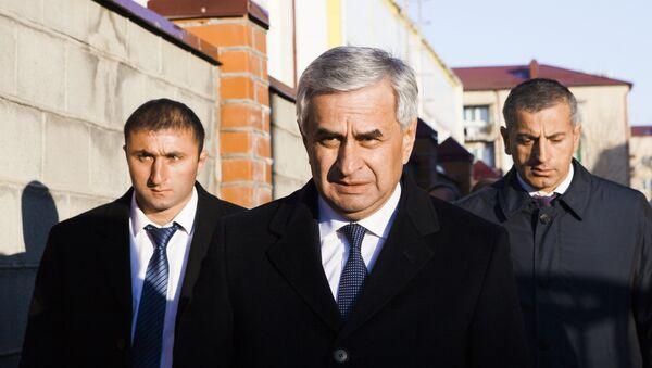 Приезд Рауля Хаджимба в Южную Осетию - Sputnik Абхазия