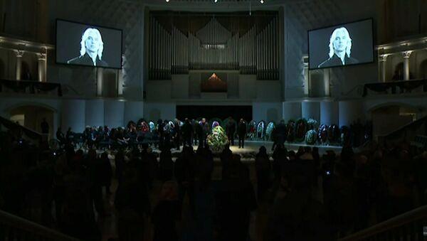 Церемония прощания с Дмитрием Хворостовским в Москве - Sputnik Абхазия