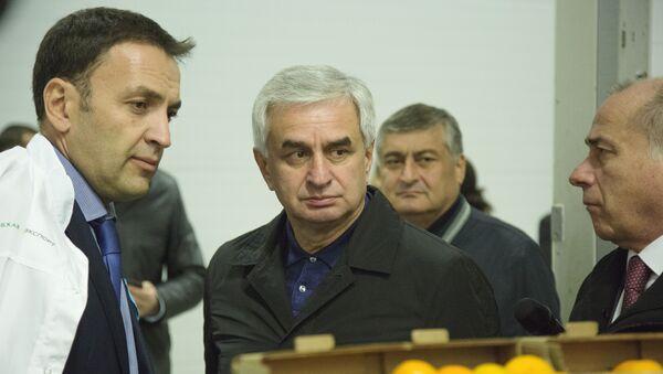 Посещение распределительного центра Абхазпродэкспорт - Sputnik Абхазия
