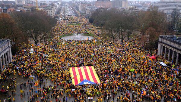Демонстрация каталонцев в поддержку К. Пучдемона в Брюсселе - Sputnik Абхазия