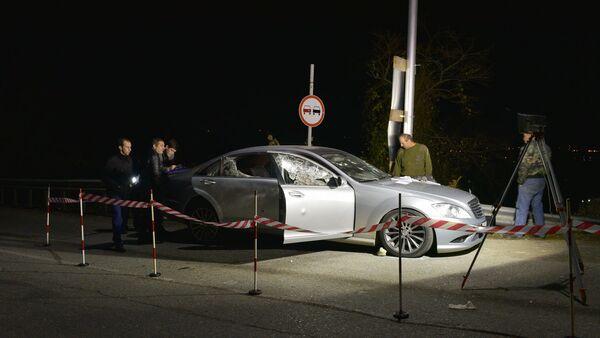Фото с места обстрела автомобиля в районе Гумисты - Sputnik Аҧсны