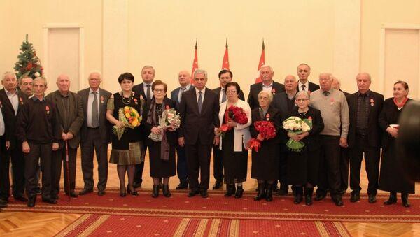 Президент Рауль Хаджимба вручил государственные награды - Sputnik Аҧсны