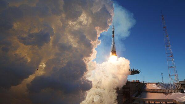Пуск ракеты-носителя Союз-ФГ с ТПК Союз МС-07 с космодрома Байконур - Sputnik Абхазия
