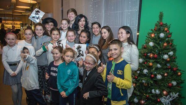 Прима-балерина Любовь Андреева встретилась с участниками проекта Ты супер! Танцы - Sputnik Аҧсны