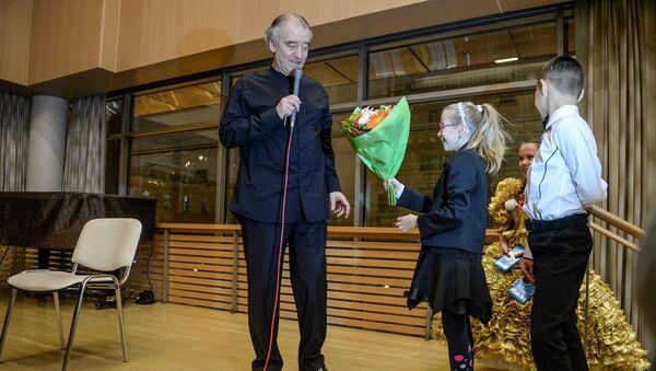 Валерий Гергиев встретился с участниками проекта Ты супер! Танцы - Sputnik Аҧсны
