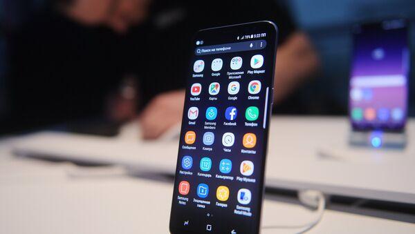 Презентация новой модели смартфона Samsung Galaxy S8 - Sputnik Абхазия