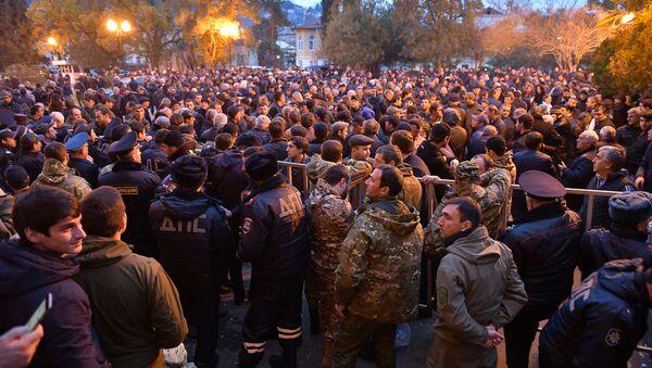 Митинг у здания парламента по вопросу выдачи Лукава - Sputnik Аҧсны