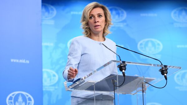 Захарова: РФ имеет право на зеркальные меры к американским СМИ - Sputnik Абхазия