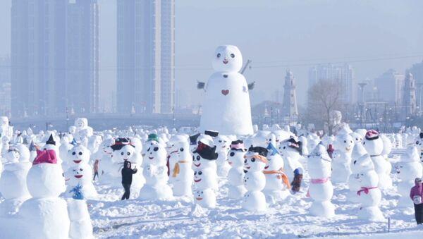 2018 снеговиков в честь нового года слепили в парке китайского Харбина - Sputnik Абхазия