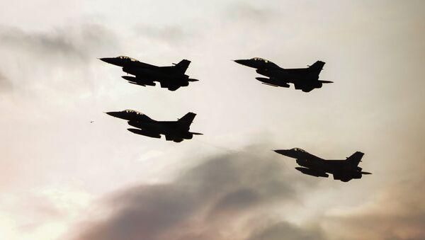 Истребители F16 турецких военно-воздушных сил. Архивное фото - Sputnik Абхазия