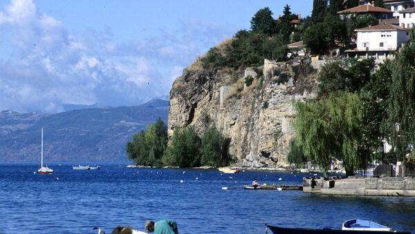 Вид на город Охрид и Охридское озеро. Республика Македония. - Sputnik Аҧсны