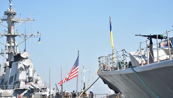 Украинско-американские военные учения Sea Breeze-2015 в Черном море - Sputnik Абхазия