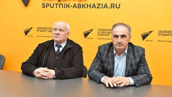 Даниил Убирия и Тамаз Гогия - Sputnik Аҧсны