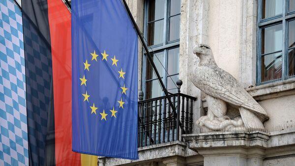 Флаги Баварии, Германии и Евросоюза на правительственном здании в преддверии проведения 54-й Мюнхенской конференции по вопросам безопасности - Sputnik Абхазия