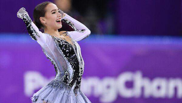 Российская фигуристка Алина Загитова в короткой программе женского одиночного катания на соревнованиях по фигурному катанию на XXIII зимних Олимпийских играх - Sputnik Абхазия