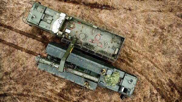 Транспортно-заряжающая машина комплекса Искандер-К с крылатыми ракетами Р-500 в Краснодарском крае - Sputnik Аҧсны
