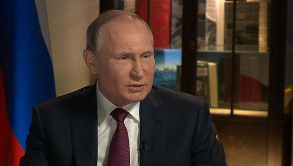Путин рассказал, что иногда Песков несет пургу - Sputnik Абхазия