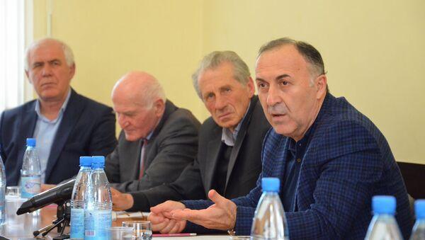 Слушание по вопросам выдачи новых абхазских паспортов - Sputnik Аҧсны
