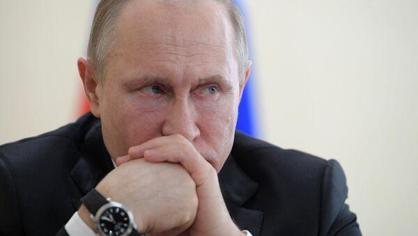 Президент РФ В. Путин почтил память погибших при пожаре в Кемерове - Sputnik Абхазия