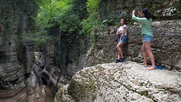 Агурский водопад в Сочи - Sputnik Аҧсны