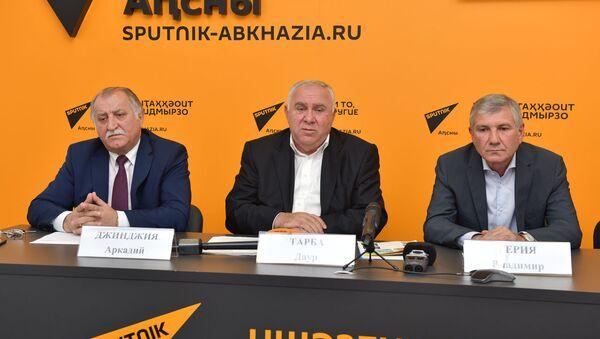 Пресс-конференция с представителями карантинной службы по вопросу борьбы и запрета ввоза растительной продукции из Абхазии в Россию - Sputnik Абхазия