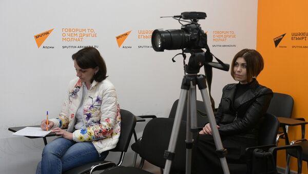 Воспитать зрителя: Алхас Ферзба  рассказал о цели концерта из романсов Рахманинова - Sputnik Абхазия