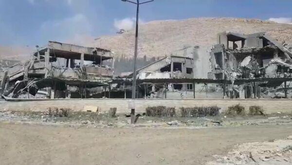 Подвергшийся ракетному удару исследовательский центр Барза в Дамаске - Sputnik Абхазия
