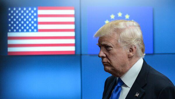 Президент США Дональд Трамп на встрече с лидерами ЕС в Брюсселе, архивное фото - Sputnik Абхазия
